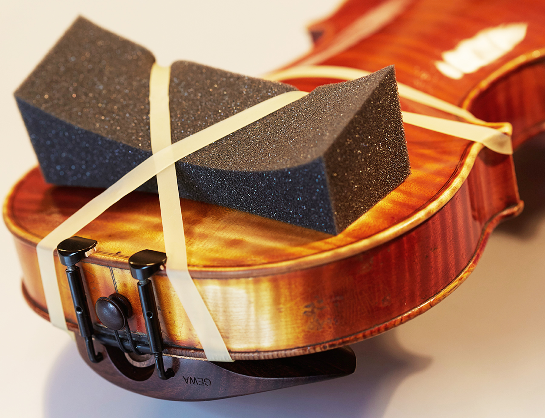 Clementino® Schulterstütze für Streichinstrumente, Atelier Alfredo Clemente Köln. Foto © Jan Röhrmann